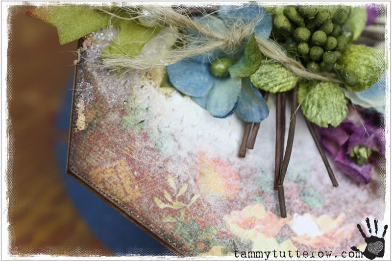 Tammy Tutterow Tutorial | Seasons Greetings Canvas featuring Petaloo 25