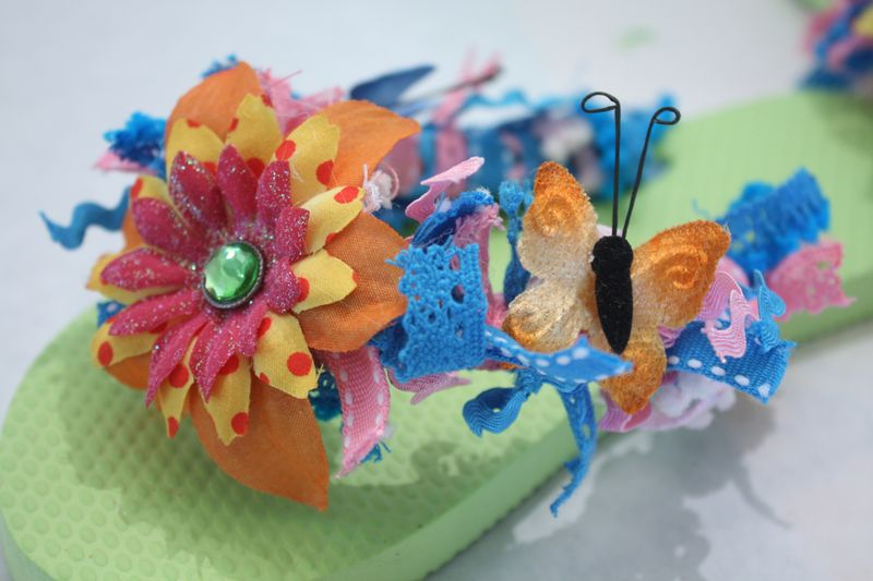 Denise_hahn_petaloo_kid_friendly_craft_summer_flip_flops - 14