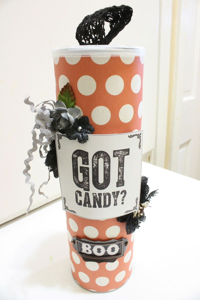 Denise_hahn_petaloo_authentique_spirited_altered_pringle_candy_container-9