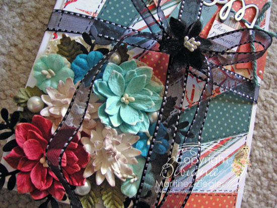 Diagonal gift mom detail