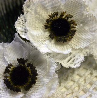 DIY Anenome burlap close up