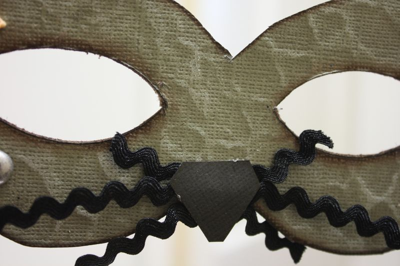 Denise_hahn_petaloo_coredinations_xyron_halloween_masks - 7